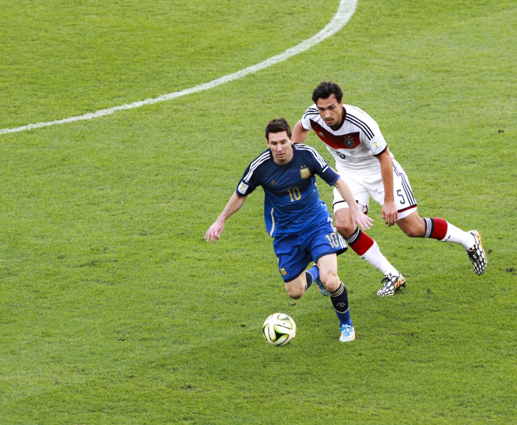 Messi's small steps make him very elusive for even the best defenders. Photo: Danilo Borges