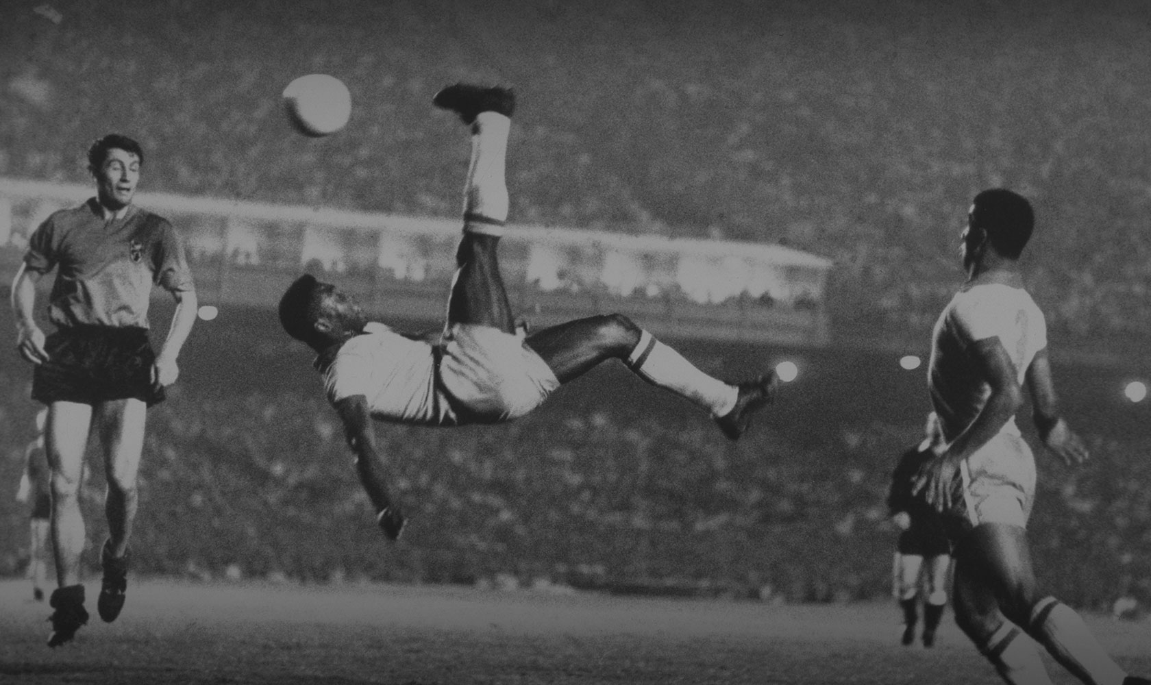 Pele bicycle kick, 1965.