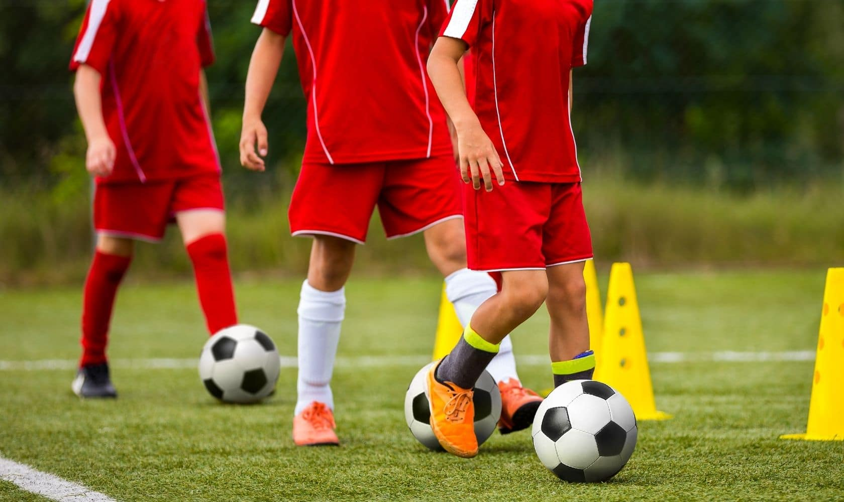 How to coach U10 soccer: see professional coaches demonstrate the best U10 soccer drills.
