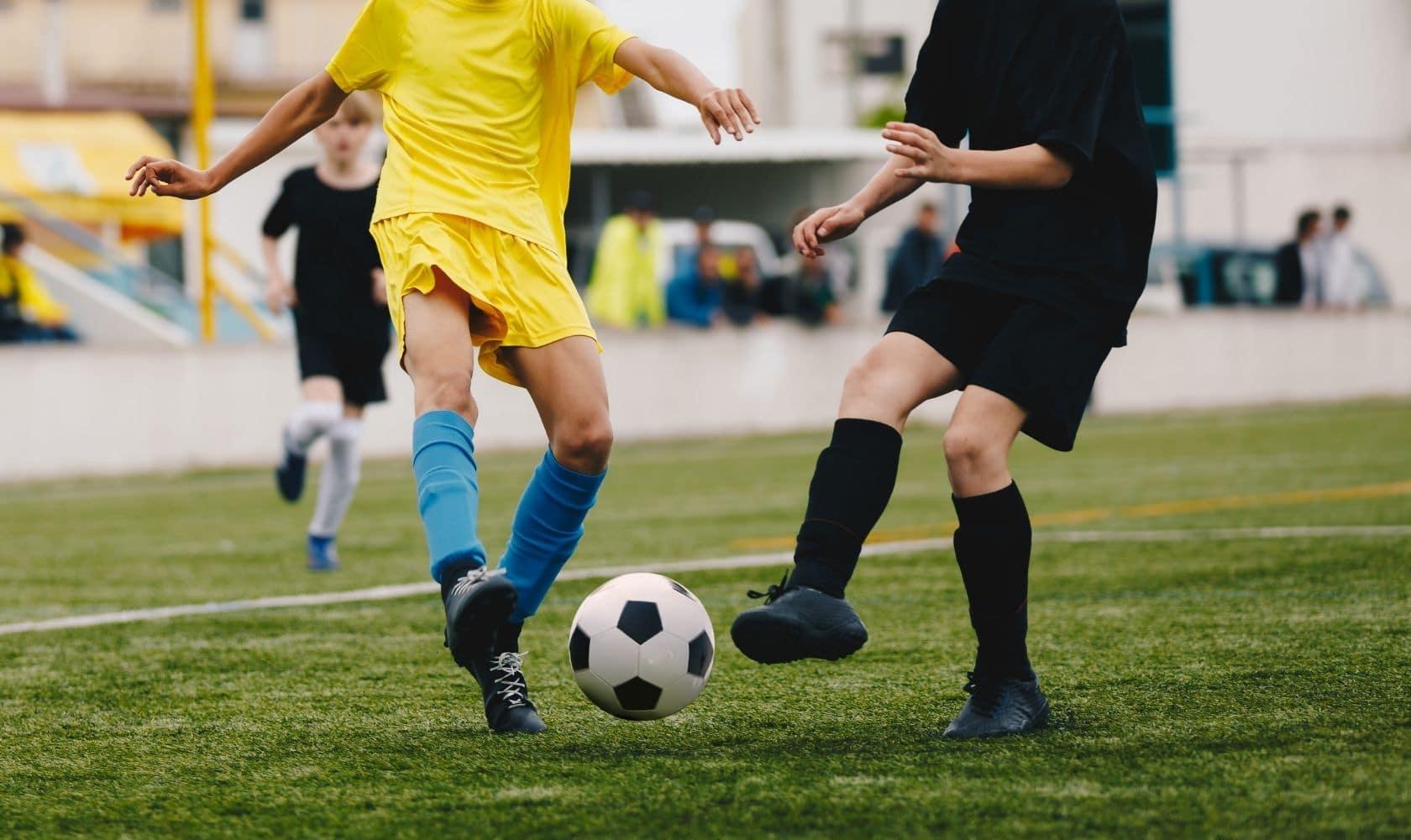How to coach U12 soccer: read professional coaches explain the best U12 soccer drills.