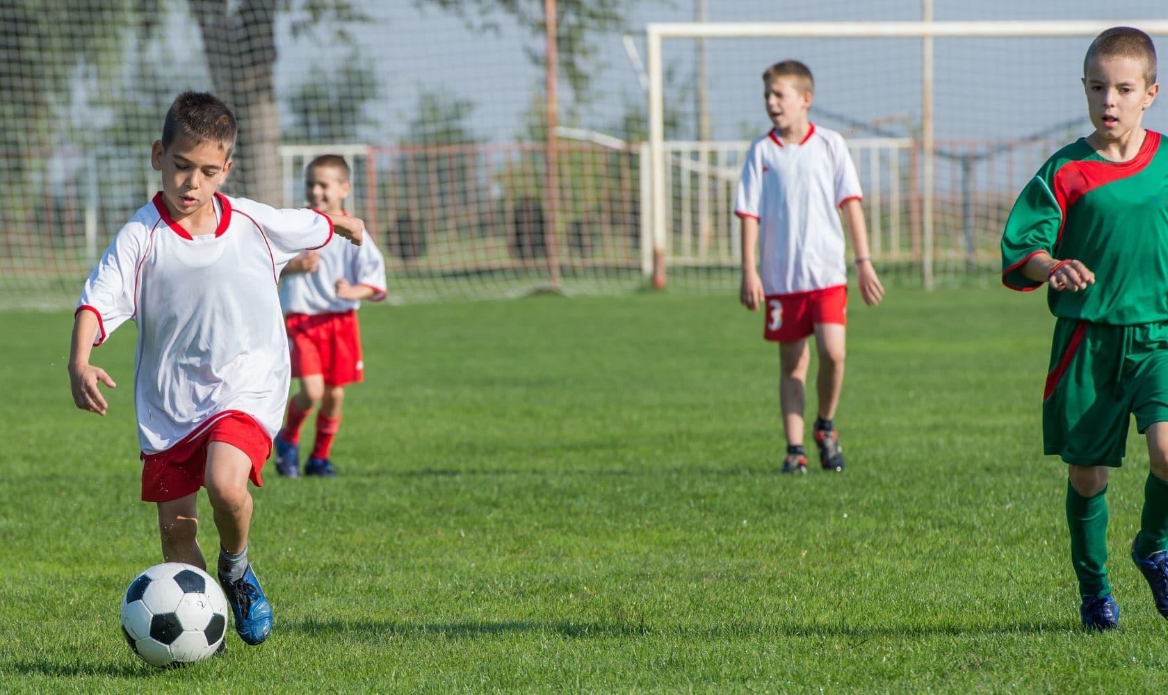 How to coach U6 soccer: A definitive guide to coaching U6 soccer drills.